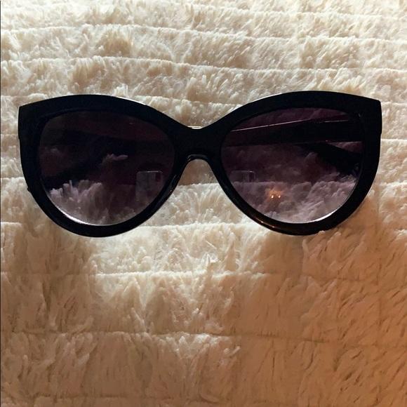 2/$15 😎Cat eye sunglasses